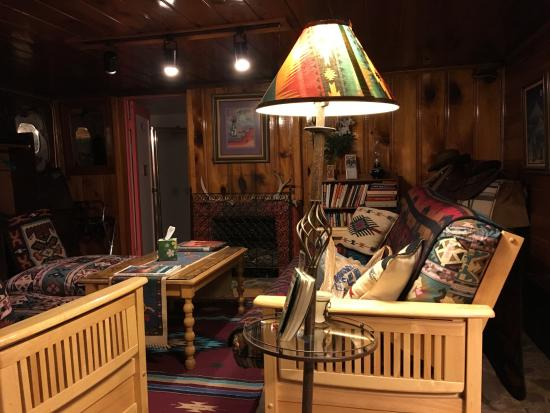 Zuni, Nuevo Mexico: room 5 sitting area