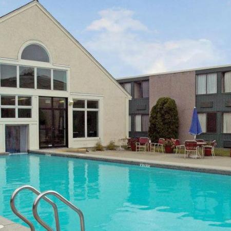 Heated Outdoor Pool Picture Of Best Western Merry Manor