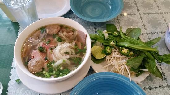 Vanloi Vietnamese Restaurant: 20151212_114445_large.jpg