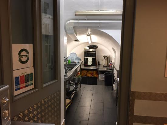 Astor Victoria Hostel : Cozinha