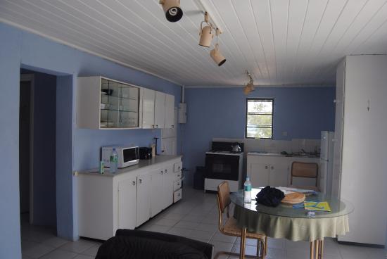 Meridian Inn: Kitchen
