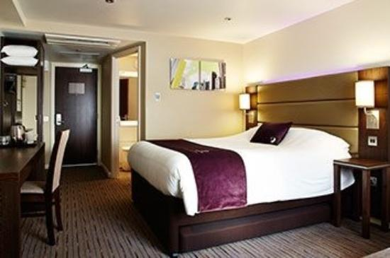 Premier Inn Glasgow (Bearsden) Hotel: New Bedrooms