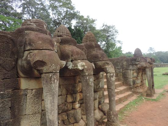 Picture of terrace of the elephants siem reap for Terrace of the elephants