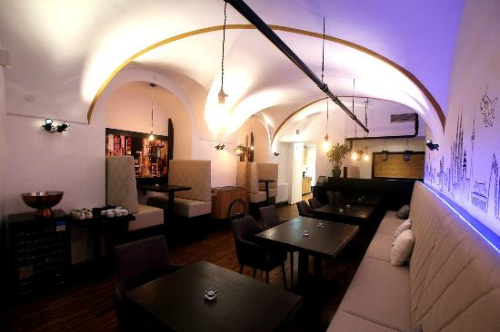 Junn Bar Kitchen