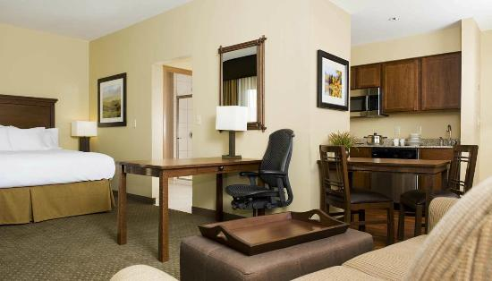 Homewood Suites by Hilton Bozeman: Studio Suite, Full Kitchens
