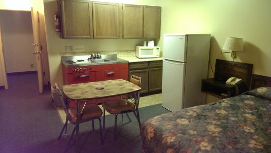 Wainwright, Canada: Single Kitchenette 3