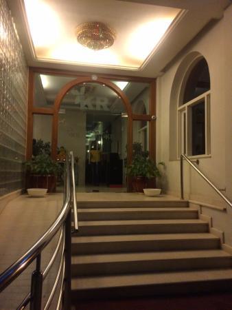KR inn: entrance