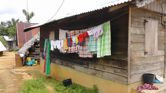 Suriname: Maroonwoning, binnenland