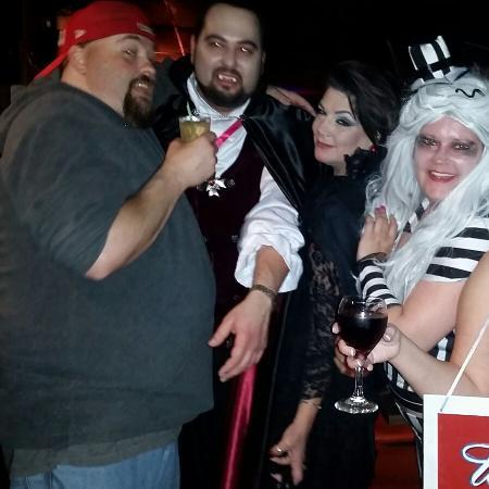 Bonds DJu0027s Lounge Halloween Fun at DJu0027s Farwell Bar  sc 1 st  TripAdvisor & Halloween Fun at DJu0027s Farwell Bar - Picture of Bonds DJu0027s Lounge ...