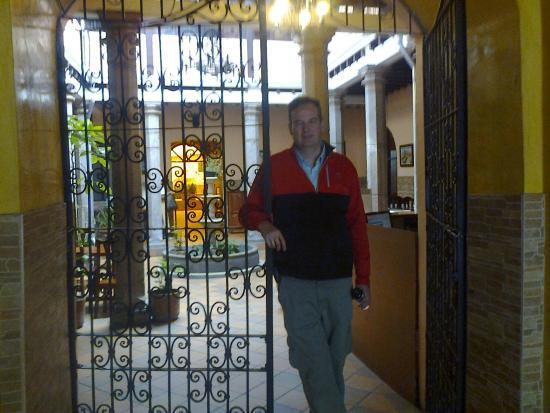 Hotel Catedral Internacional: entrada