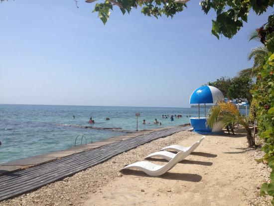 Hotel Coco Liso : Beach and swimming area