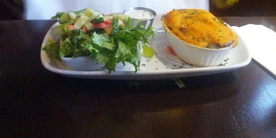 Artful Dodger Neighborhood Pub: Shepherds Pot Pie w/ Side Salad