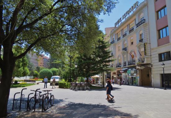 Hotel Altozano: The front of the hotel