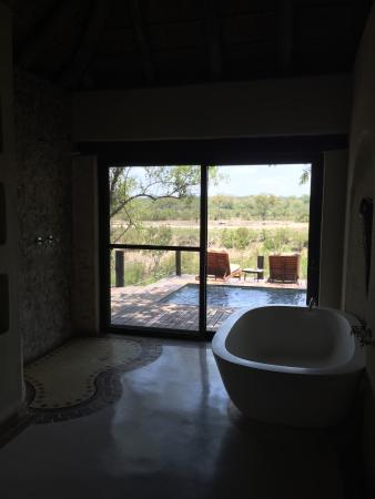 Simbambili Game Lodge: Bathroom