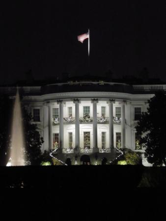 Signature Tours of DC- Day/Night : Merry White House
