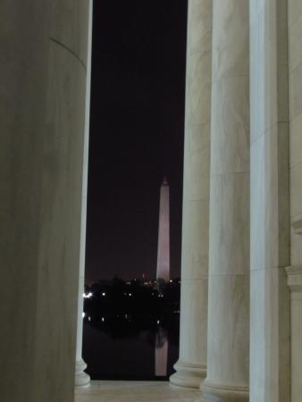 Signature Tours of DC- Day/Night : Washington Monument from Lincoln