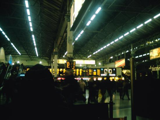 Victoria Station Travel Information Centre: ビクトリア駅