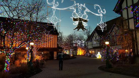 Lake Orion, Μίσιγκαν: Christmas in Canterbury Village
