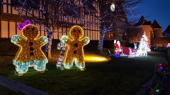 Lake Orion, MI: Christmas in Canterbury Village
