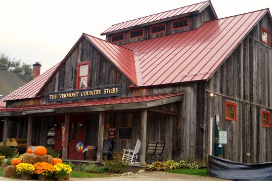 Rockingham, VT: The exterior of the store all decked out for Fall
