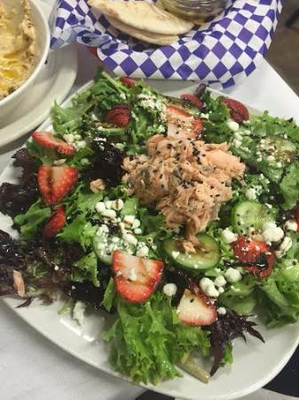 Lucerne, CA: Delicious salmon salad!