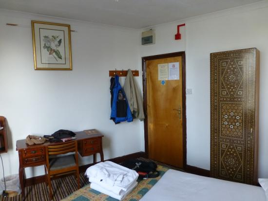 Richmond Hotel: another view of room
