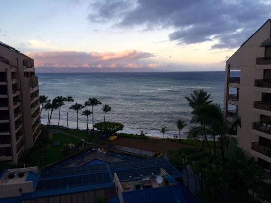 Sands of Kahana Terrace Restaurant: Maui morning