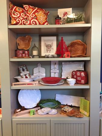 Dayton, OR : Beautiful home decor, local products and gifts
