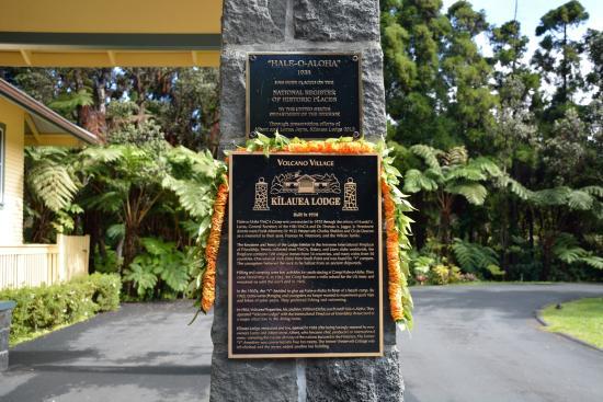 Kilauea Lodge: 入口プレート
