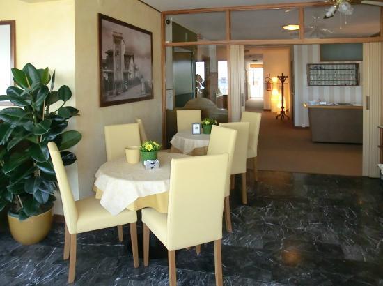 Hotel Carol: sala colazione