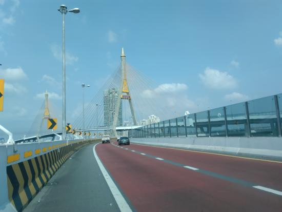 Bhumibol Bridge (Industrial Ring Road Bridge)