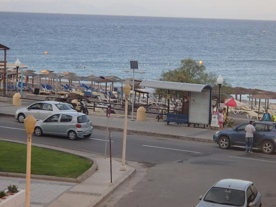 Ibiscus Hotel: View from Room to Elie Beach