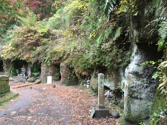 Grave of Minamotono Sanetomo・Hojo Masako