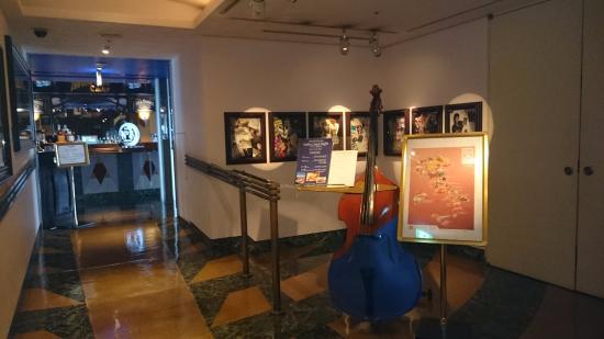 Artist Cafe: 入口