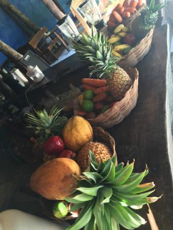 Tunich Jungle Cabañas: Fresh fruit and vegetables everyday