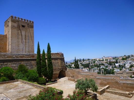 Resultado de imagen de PLAZA DE LAS ARMAS de la alhambra