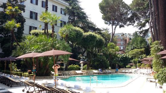 La piscine picture of aldrovandi villa borghese rome for Rome hotel piscine