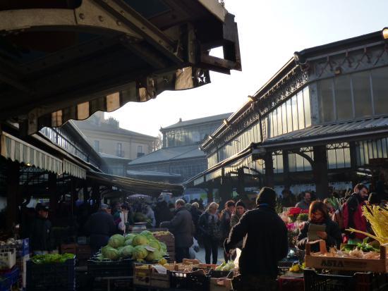 Esterno di sera foto di mercato di porta palazzo torino - Mercato di porta palazzo torino ...