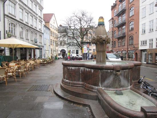 Small fountain near hostel picture of copenhagen for Kopenhagen hostel