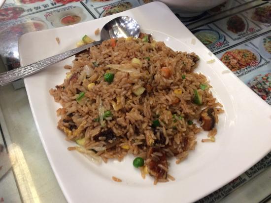 Aberdeen Fish Ball & Noodles Restaurant: 鰻チャーハン