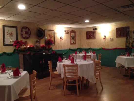 Williamstown, MA: Main Dining Room of Coyote Flaco