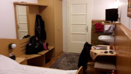 شويزر بنسيون سولدرار: Room number 3