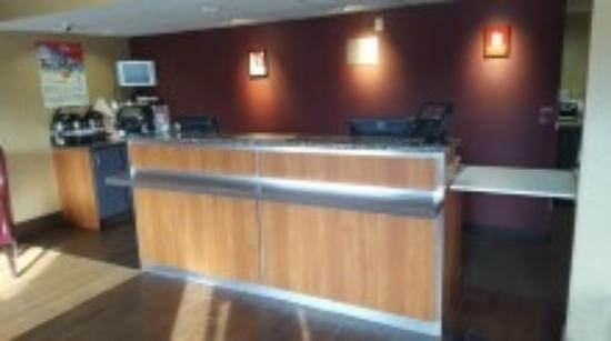 Enfield, CT: Front Desk