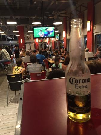 Miami Beach International Traveler's Hostel: Sala común