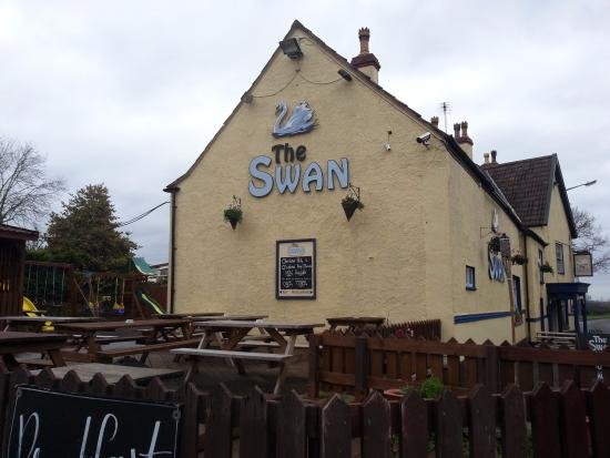 Winterbourne, UK: the swan inn