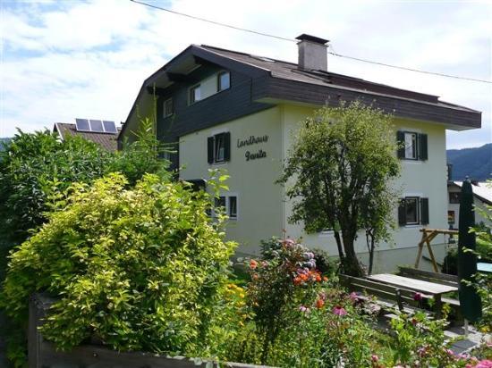bodensdorf guys Bodensdorf ligger på den ene side direkte på lake ossiach, men så også ved foden af den første 911-meter skibakke 'gerlitzen' i.