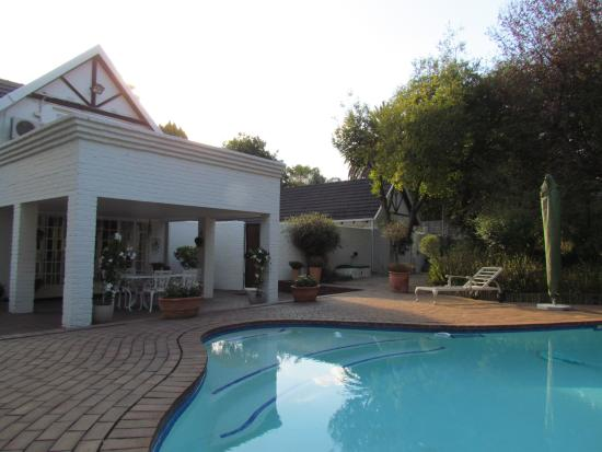 Bryan Manor Guest House : Pool
