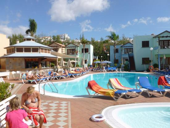 Vista Serena Pool And Bar Restaurant Picture Of Club Vista Serena Maspalomas Tripadvisor