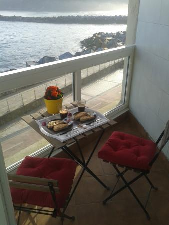 Pension Itxasoa : Desayuno en terraza
