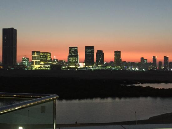 Emirate of Abu Dhabi, Uni Emirat Arab: Skyline from our Apartment
